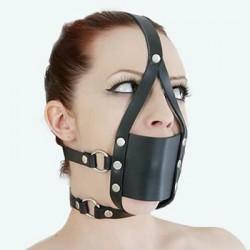 Zestaw zabudowany knebel z uprzężą na głowę